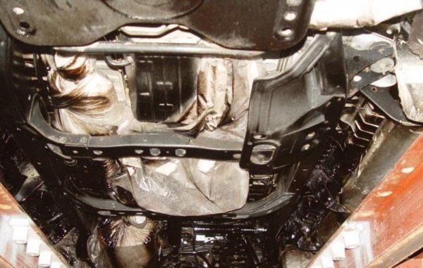 Обработка днища автомобиля