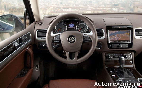 Салон автомобиля Volkswagen Touareg